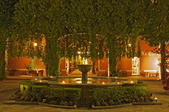 Hotel Hacienda Jurica Ideal Para Disfrutar De La Colonial Ciudad De